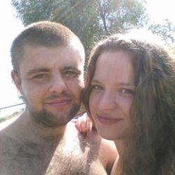 Молодая пара ищет девушку в Тюмени для свиданий